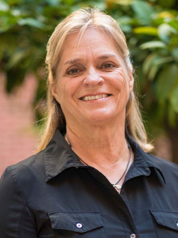 Leslie S Ritter