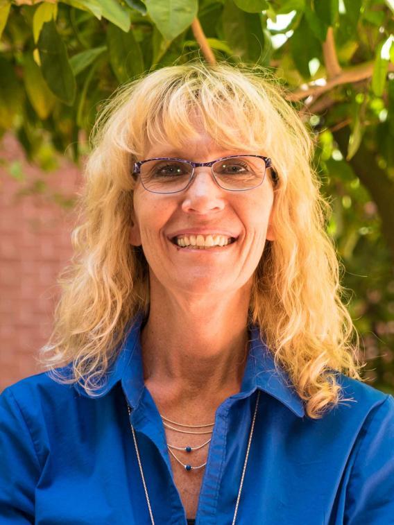 Melanie R Welch