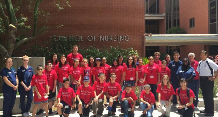 PharmCamp Middle School Students Thrilled with UA College of Nursing Visit